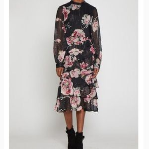WALTER BAKER Emiko tiered floral print  midi dress